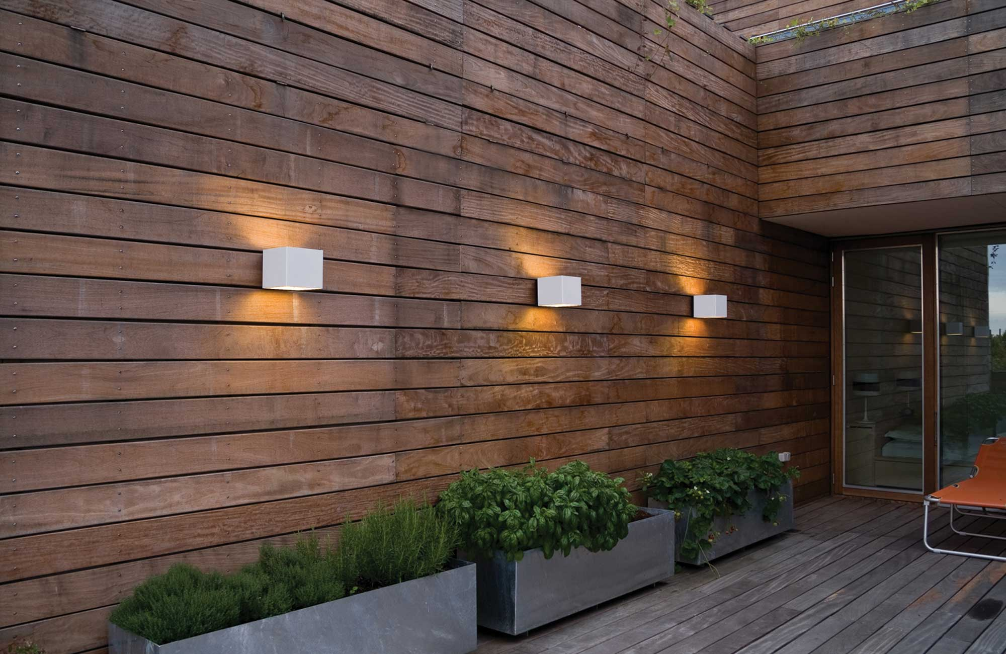 Embacco Lighting Welcome væglampe på Bjerget villa
